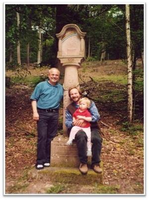 Sebastian Schönauer und Horst Wittstatt mit Tochter – 2002